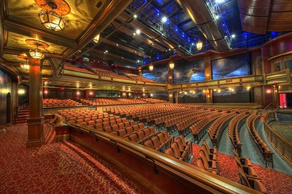 Patio de butacas de un teatro